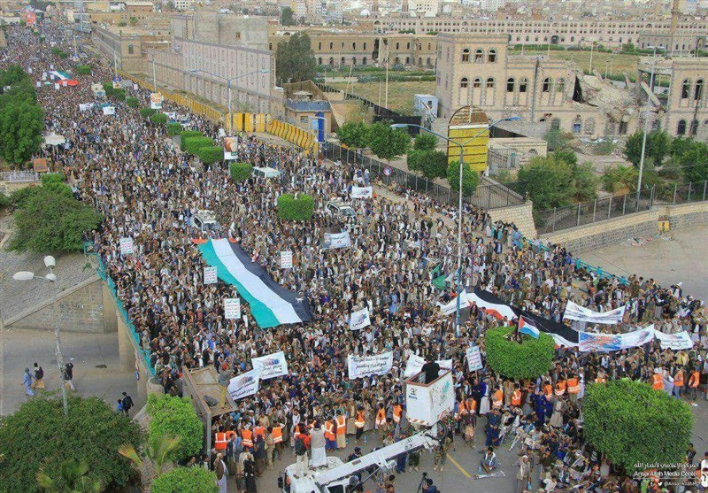 """صنعاء تنتفض وفاء للقدس فی مسیرة """"تموت أمریکا وإسرائیل وتحیا القدس"""""""