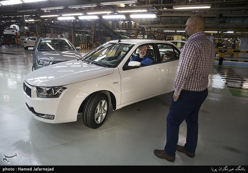 ایران خودرو درتعطیلات تابستانی خودرو تحویل مشتریان می دهد