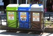 کارشناسان محیط زیست تفکیک زبالهها خانگی را به شهروندان نهاوندی آموزش میدهند