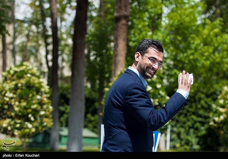 واکنش وزیر ارتباطات به فعالیت تلگرام طلایی: بازیهای سیاسی را رها کنید