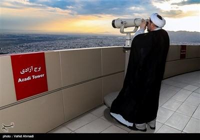 تحری هلال شهر رمضان المبارک ـ برج میلاد فی طهران