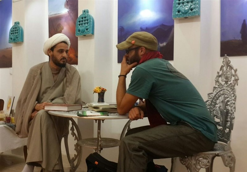 یزد | ماجرای علاقه گردشگران اسپانیایی به پرچم امام حسین(ع) و حضرت عباس(ع)