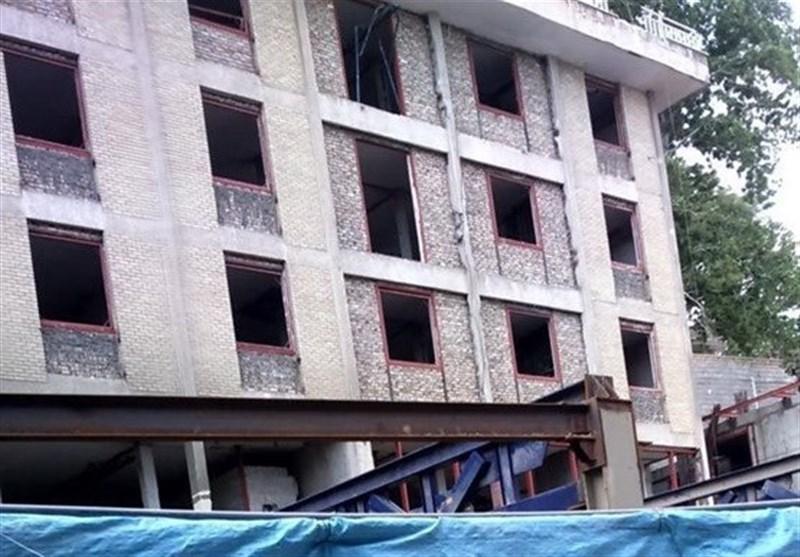 جزئیات ریزش محوطه یک ساختمان در جماران و جان باختن 4 کارگر/ ساختمان متعلق به موسسه تنظیم و نشر امام است؟ + عکس