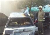 آتش گرفتن همزمان 2 پراید به علت نامعلوم + تصاویر