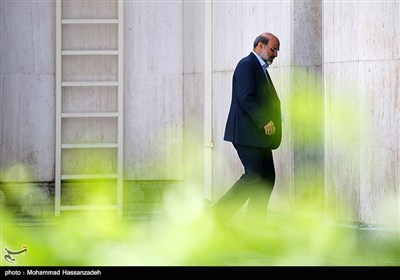 عبدالعلی علی عسگری رئیس سازمان صدا و سیما در حاشیه جلسه هیئت دولت