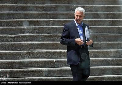 منصور غلامی وزیر علوم در حاشیه جلسه هیئت دولت