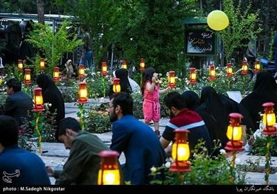 تہران کے بہشت زہرا قبرستان میں ایک افطار