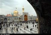 پچاس غیر ملکی حافظان وقاریان قرآن کی مشہد آمد، روضہ امام علی رضا (ع) پرحاضری