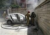آتش گرفتن پژو 206 که در حیاط خانه پارک شده بود + تصاویر