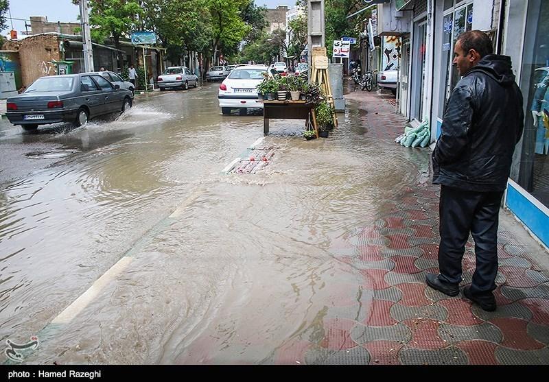 بارش باران استان لرستان را سیلابی میکند