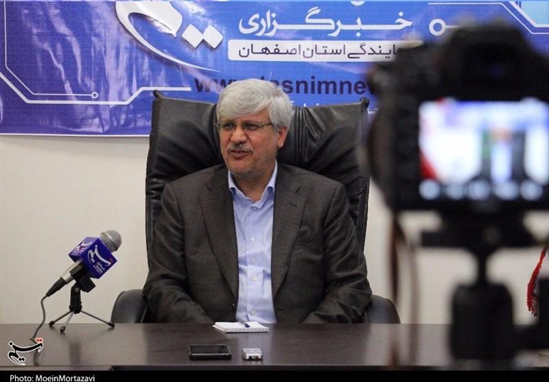 اصفهان| تصدیگری دولت در امر اقتصاد کم شود