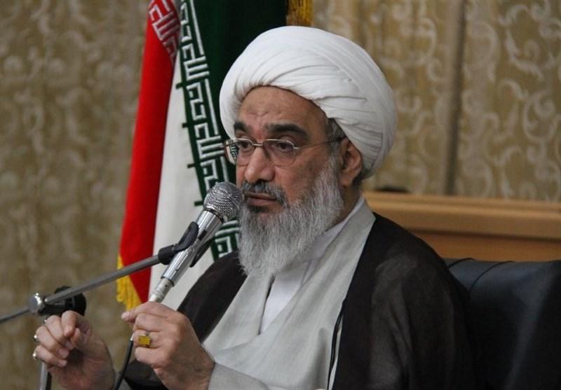 امام جمعه بوشهر: پایداری امنیت در استان بوشهر نشان از تلاش موفق نیروی انتظامی است