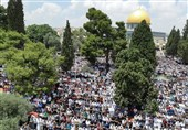 فلسطین| اقامه نماز جمعه در مسجدالاقصی با حضور بیش از 40 هزار نفر/ زخمی شدن 12 فلسطینی در غرب رام الله