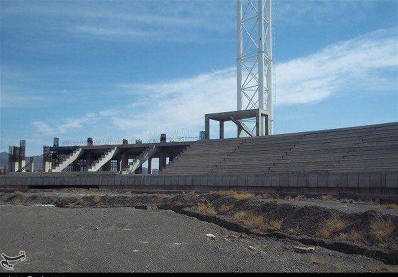 انتظار 14 ساله برای افتتاح ورزشگاه 22 گولان؛ وعده استاندار کردستان هم محقق نشد