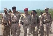 بازدید وزیر دفاع یمن در محور نجران عربستان؛ پیروزی ملت بر متجاوزان نزدیک است
