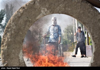 ادامه درگیری مردم کشمیر با پلیس هند