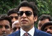 اولین وزیر دوتابعیتی کابینه عمران خان در یک قدمی عزل