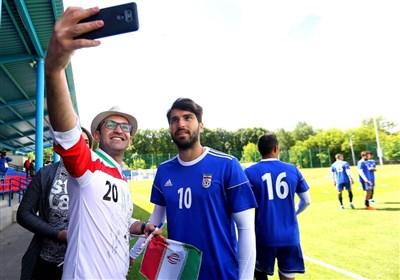 تمرین تیم ملی ایران در کمپ روسیه و تشکر کیروش از تماشاگران