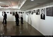 گزارش تسنیم از نمایشگاه عکس «از او که میگویم» / عکسهایی که هرکدام یک دنیا حرف دارند