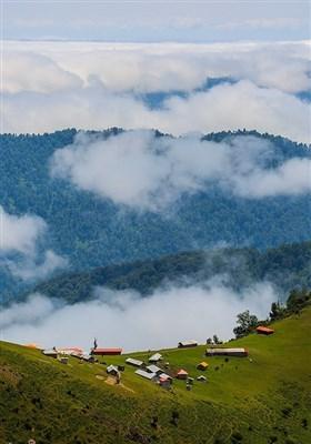 روستای ییلاقی «اولسبلانگاه» در ۲۵ کیلومتری جنوب ماسال و در ارتفاع هزار و ۸۰۰ متری از سطح دریا قرار دارد.