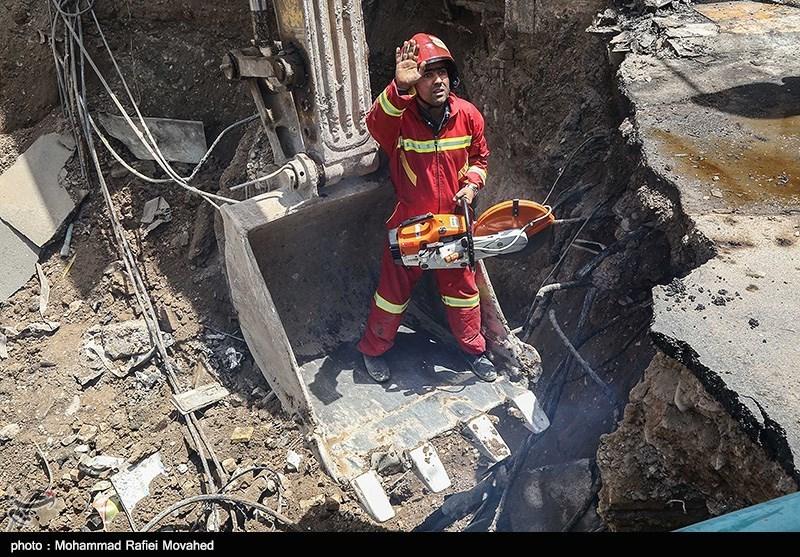یک کشته و 4 مجروح بر اثر انفجار مهیب در تهرانپارس/ 6 خودرو آسیب دیدند