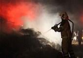 طوفان به کمک آتش آمد؛ آتشسوزی گسترده در گاوداری + تصاویر