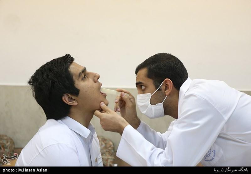 هر ایرانی سالانه چه مقدار پول دارو میدهد/پزشکان در مطبها «کارتخوان» بگذارند