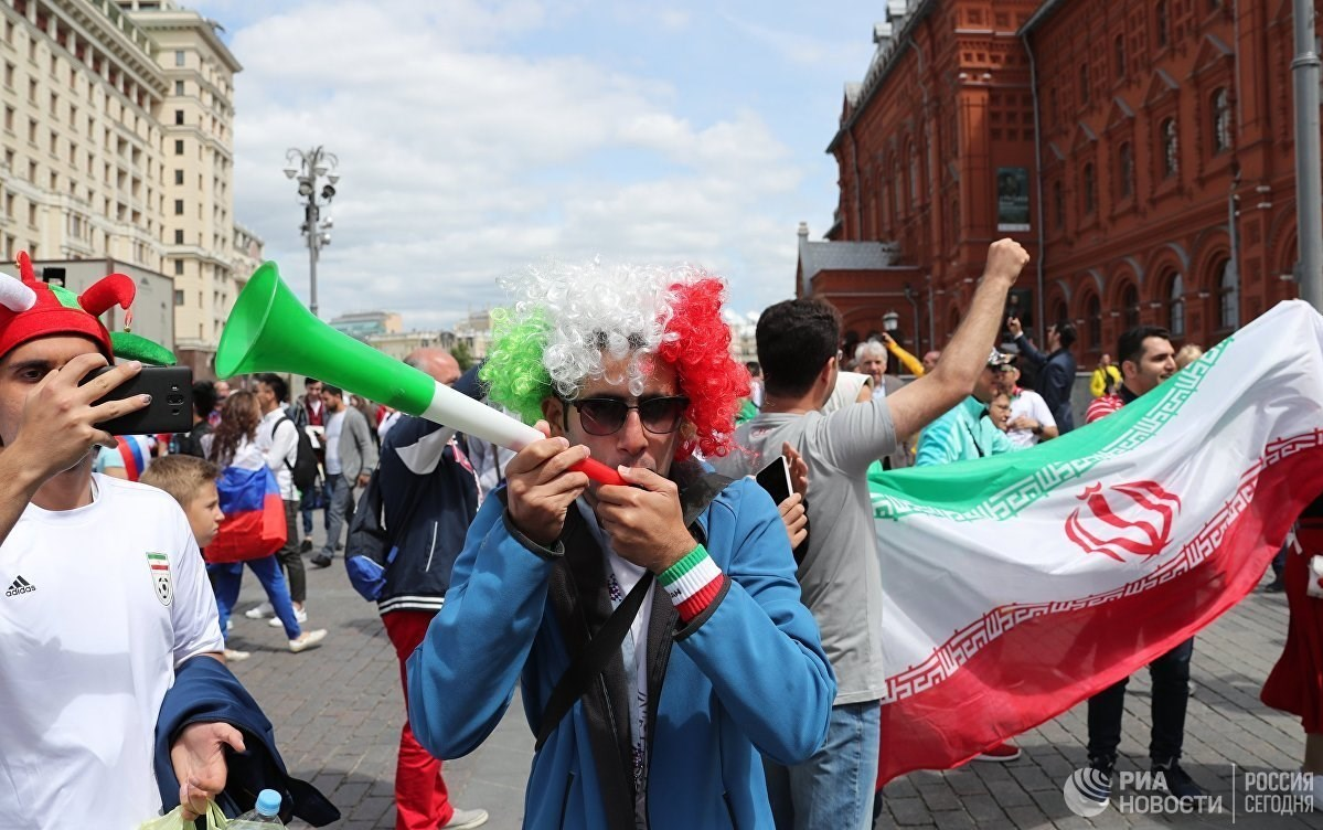 جام جهانی 2018 شادی هواداران ایرانی پیش از بازی افتتاحیه+ عکس
