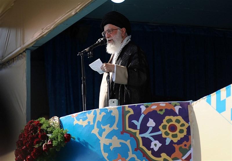 امام خامنهای در خطبههای نماز عید فطر: آمریکا در منطقه شکست خورده/مبارزه با فساد به طور جدی دنبال شود/ رفع بخشی از موانع کسبوکار توسط دولت مناسب است