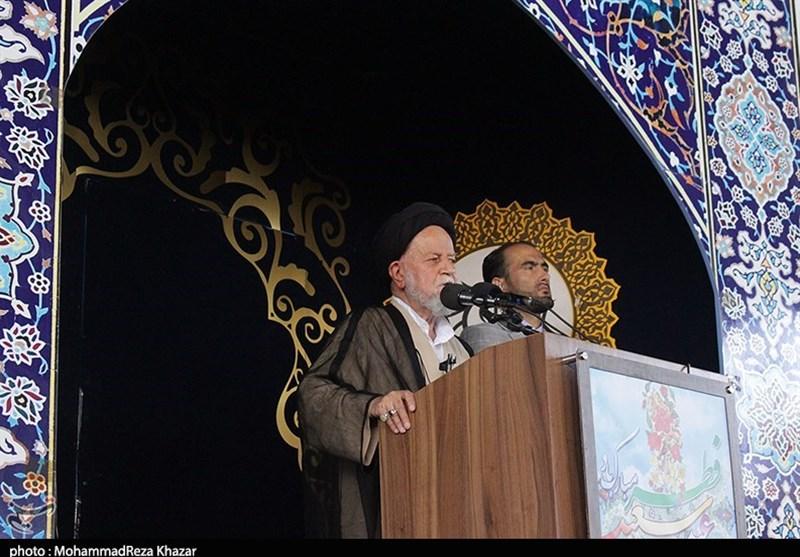 امام جمعه سمنان: دشمن با بزرگنمایی تحریمها و مشکلات میخواهد مردم ایران را ناامید کند