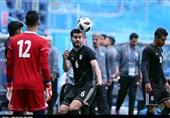 عزتاللهی: سرمربی ردینگ برای انتقالم به این تیم با کیروش صحبت کرده بود/ تیم ملی با رویکرد و تاکتیکهای جدید آماده جام ملتها میشود
