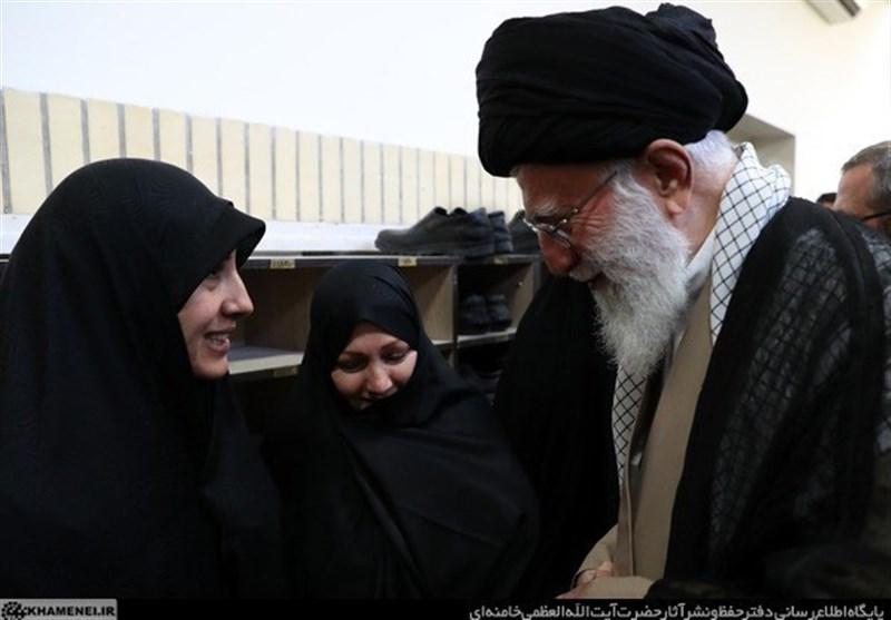 دیدار خانوادههای شهدای هستهای با رهبر انقلاب + تصاویر
