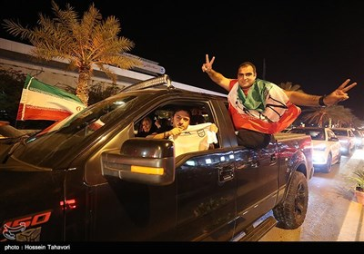 شادی مردم جزیره کیش پس از پیروزی تیم ملی فوتبال ایران مقابل مراکش
