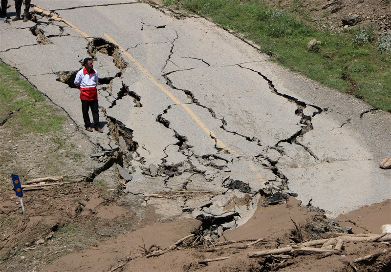 1397032616430432014451514 - تکذیب کشته شدن ۸ نفر/ عملیات نجات مفقودین ادامه دارد+تصاویر