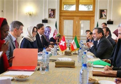 Iranian, Swiss Diplomats Discuss Closer Ties