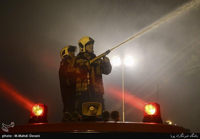 واحد پتروشیمی آبادان دچار آتش سوزی شد