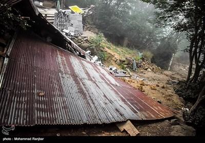 بازدید نماینده ولی فقیه استان گیلان از مناطق سیل زده اشکورات رودسر