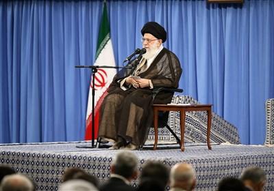 الامام الخامنئی: الهدف الأهم للعدو الیوم هو تقدیم صورة مغایرة للاوضاع فی ایران