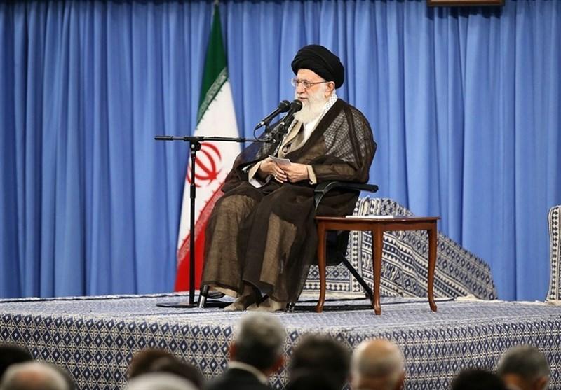 سماحة قائد الثورة الإسلامیة: الشعب الإیرانی سیهزم أمریکا وبقیة الأعداء