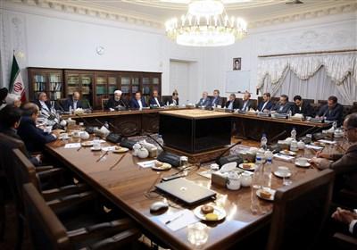 روحانی در نشستی با مدیران ارشد رسانه ملی: اجازه نمیدهیم مردم برای تأمین نیازمندیهای ضروری با مشکل مواجه شوند