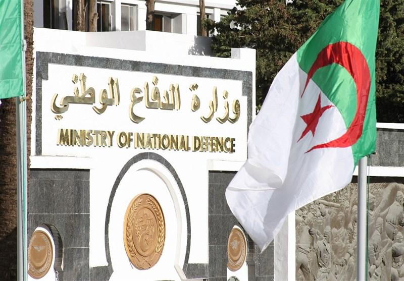 7 إرهابیین یستسلمون للجیش الجزائری
