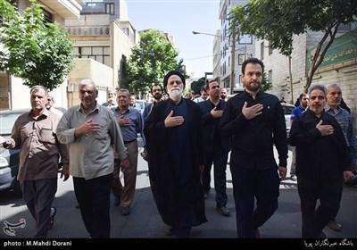 مراسم تشییع حجتالاسلام و المسلمین سیدعلیاکبر حسینی استاد اخلاق مشهور برنامه اخلاق در خانواده