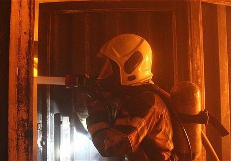 آتشسوزی مجتمع تجاری در خیابان اقدسیه