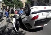 واژگون شدن پژو 206 پس از تصادف با 2 خودرو + تصاویر