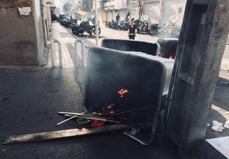 آملی لاریجانی: بازاریان صف خود را از دشمن جدا کنند