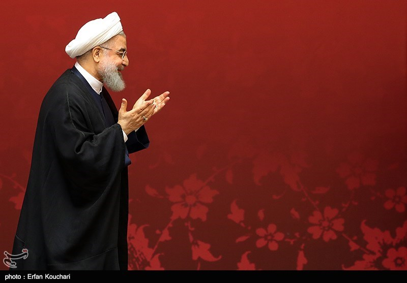 """آیا روزنامه سازندگی """"روحانی"""" را با صدام """"قیاس"""" کرد؟ + تصویر و توضیحات"""