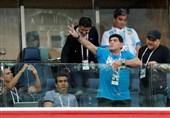 جام جهانی 2018 | رفتارهای مارادونا در سن پترزبورگ زیر ذرهبین فیفا