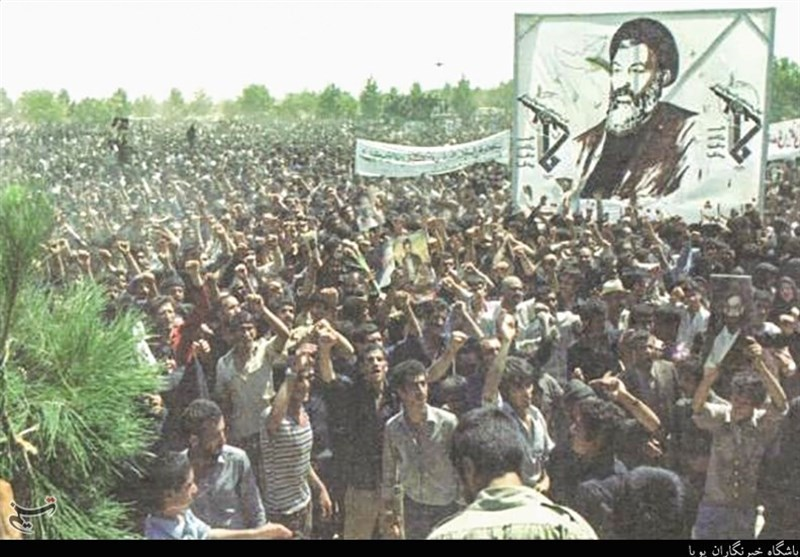 #ألف_جلاد_ألف_أشرف..تلک الأیام التی کان فیها الدواعش المحلیون یتجولون فی شوارع طهران+ (صور)