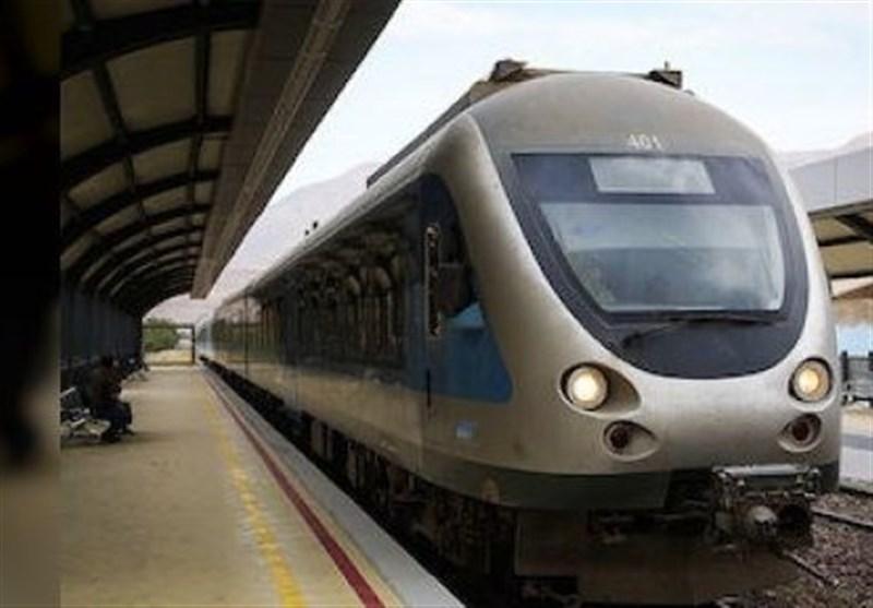 قطارهای حومهای و محلی در شهرستانهای کشور توسعه مییابند