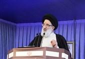 کرج| آیتالله حسینیهمدانی: چرا رئیس جمهور وزیر ناکارآمد را عزل نمیکند/ هدف دشمن از بین بردن نظام است+فیلم